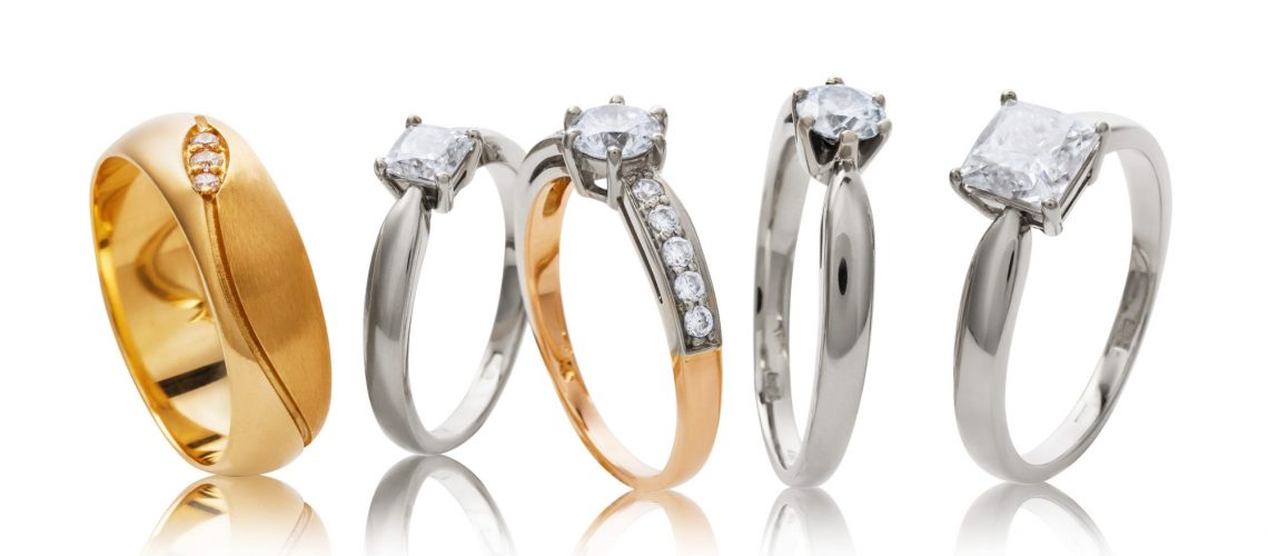 Что выбрать: золотые или серебряные украшения?