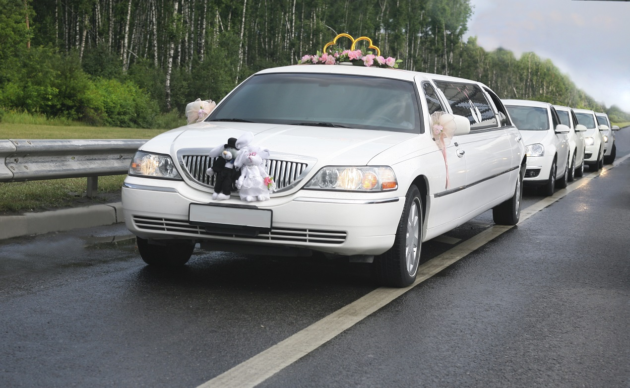 Выбираем свадебную машину правильно