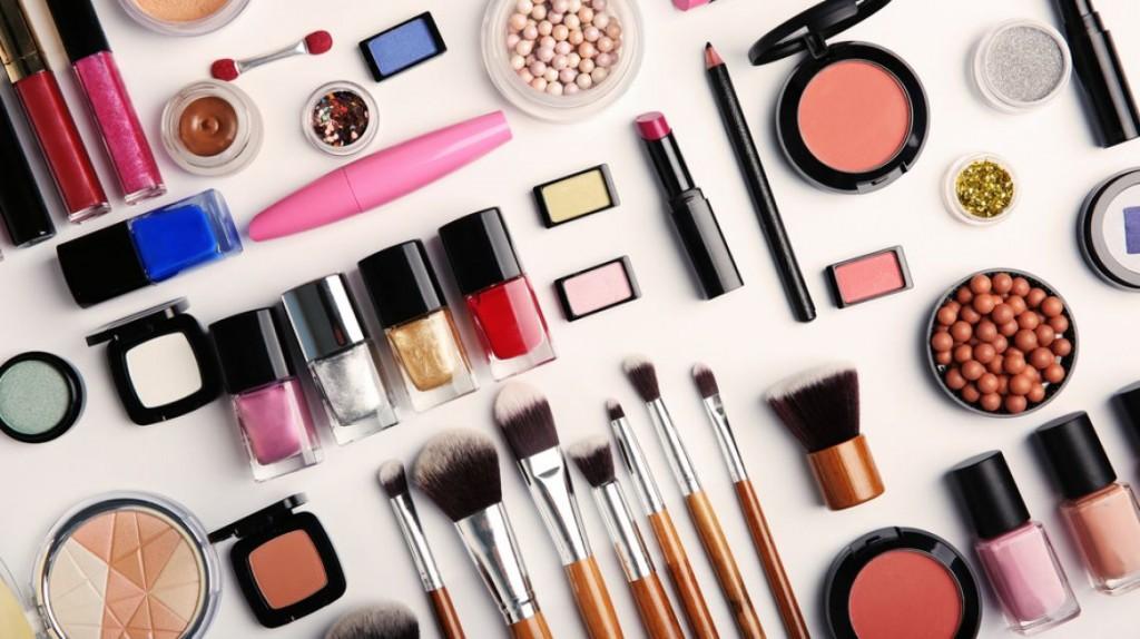 Способы заработка в Интернете на продаже косметики