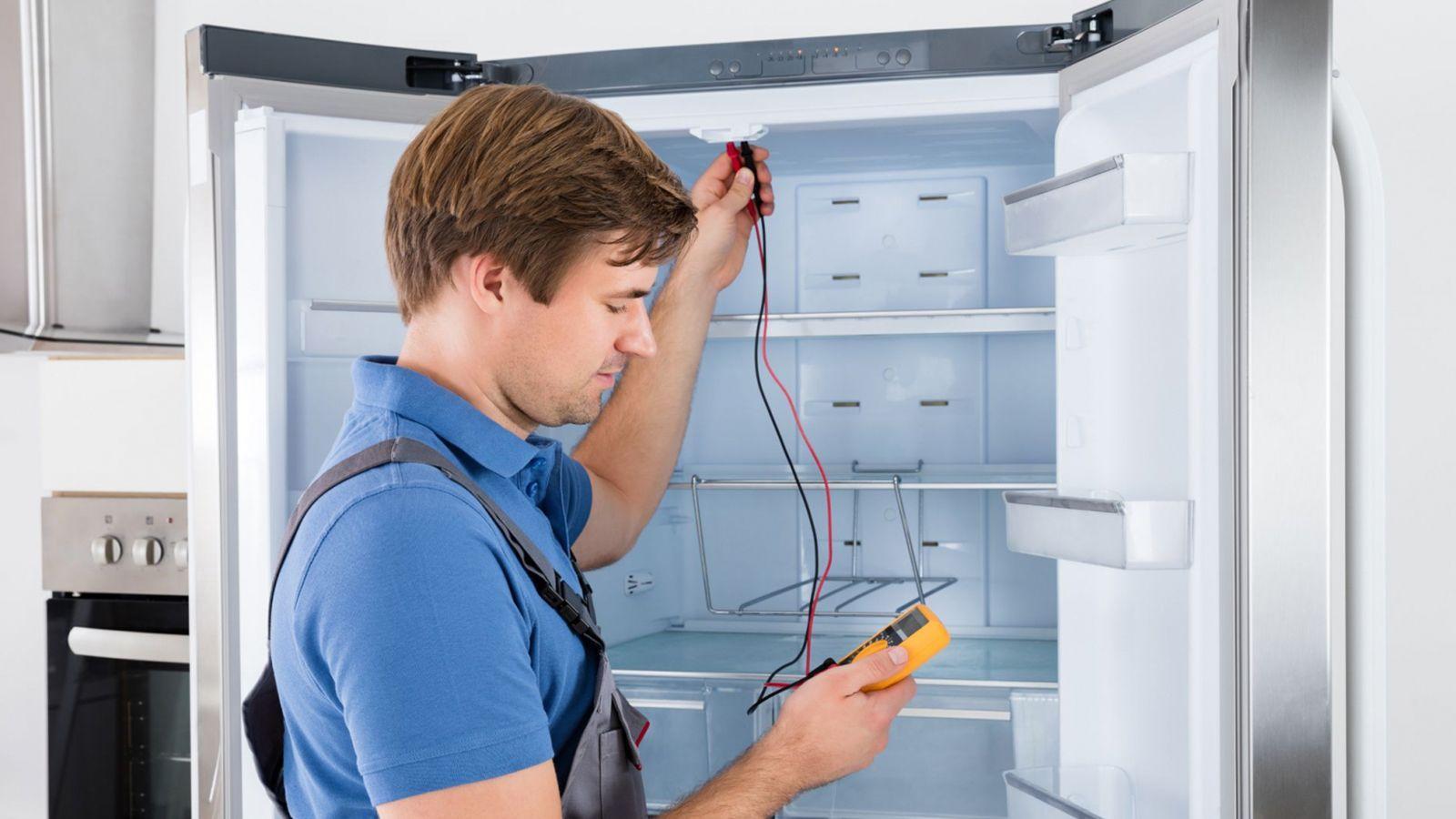 Преимущества найма профессионала по ремонту холодильников