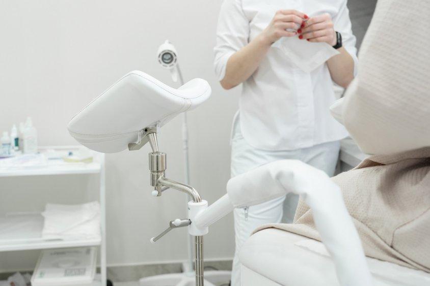 Первое посещение гинеколога. Как к этому подготовиться?