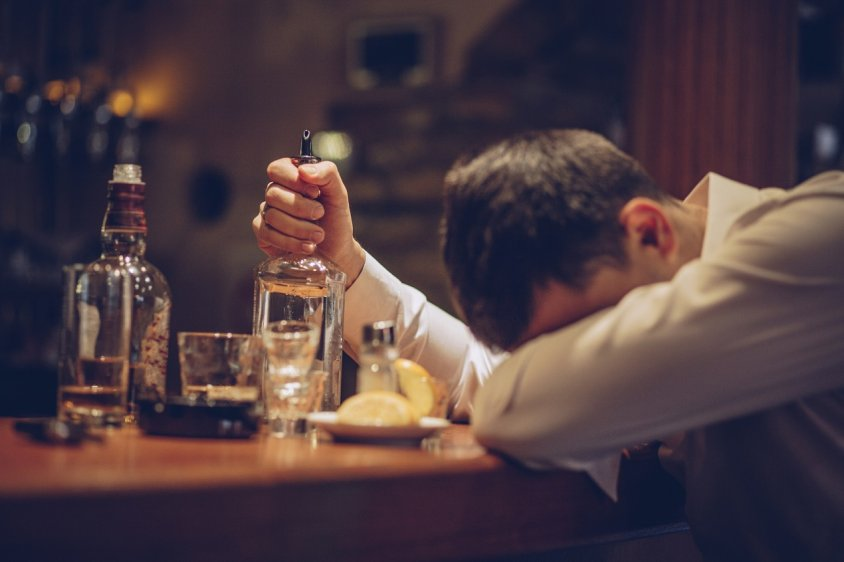 Как алкоголь вредит здоровью?