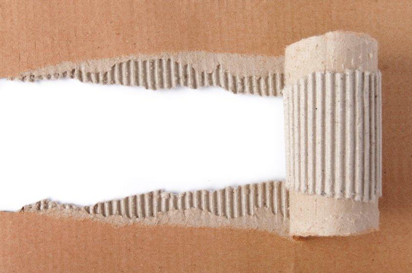 Гофрированный и плотный картон - сравнение