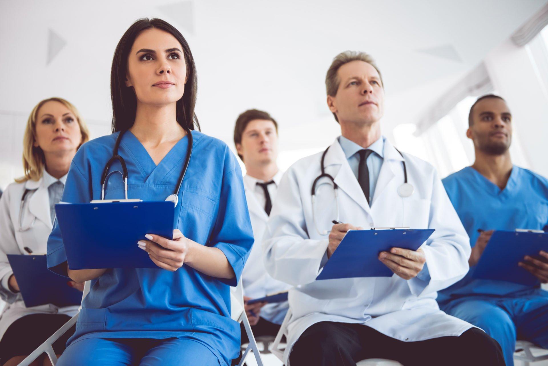 Как долго длится медицинская школа?