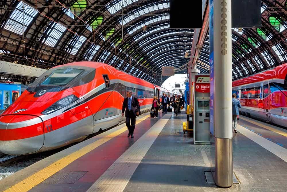 Переваги подорожі поїздом